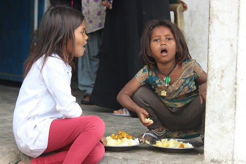 kids eating mid day meal